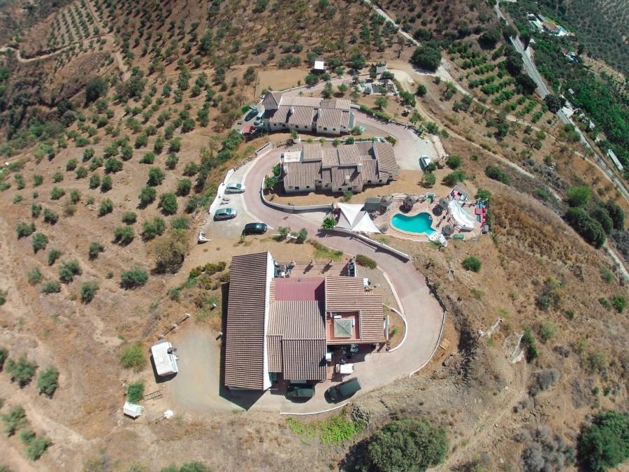 Hacienda Guaro Viejo terrein van bovenaf 2.jpg Hacienda Guaro Viejo 40plusteens image gallery
