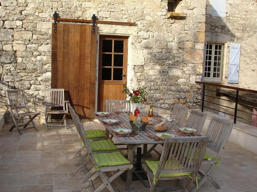 Le Tilleul in Frankrijk - dakterras buiten gedekt Le Tilleul 40plusteens image gallery