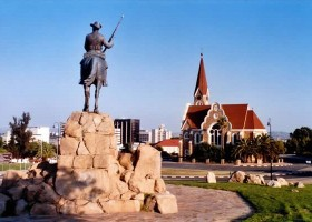 Local Hero Travel rondreis namibie-windhoek-5 Namibië rondreis familie avontuur 40plusteens