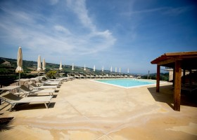 Villa Alwin in Le Marche, Italie zwembad met uitzicht Villa Alwin 40plusteens