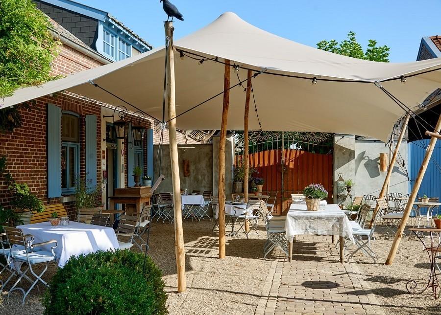 Gasterie Lieve Hemel in Limburg, terras buiten Gasterie Lieve Hemel 40plusteens image gallery