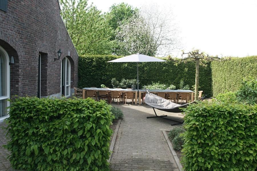 Erfgoedlogies d'Ouffenhoff ingang naar tuin.jpg Erfgoedlogies d'Ouffenhoff 40plusteens image gallery