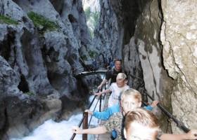 Berghotel Axx in Tirol, Oostenrijk wandelen tussen de rotsen Berghotel Axx 40plusteens