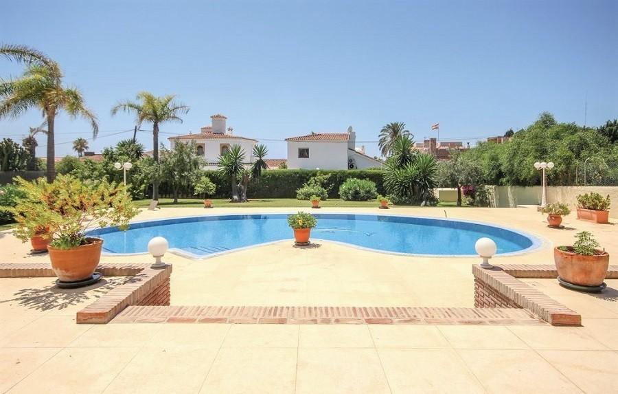 Villa Marbella in Andalusie, Spanje zwembad Villa Marbella 40plusteens image gallery