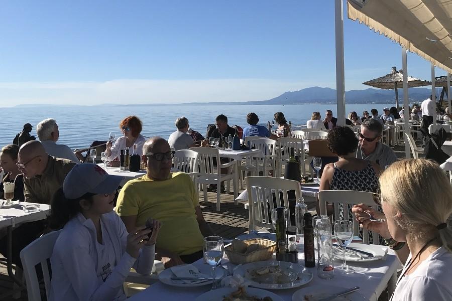 Villa Marbella in Andalusie, Spanje eten aan het strand Villa Marbella 40plusteens image gallery