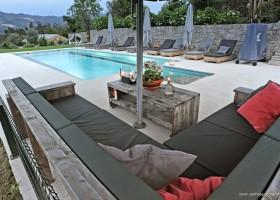 Casa Fontelheira zwembad met loungebank klein.jpg Casa Fontelheira 40plusteens