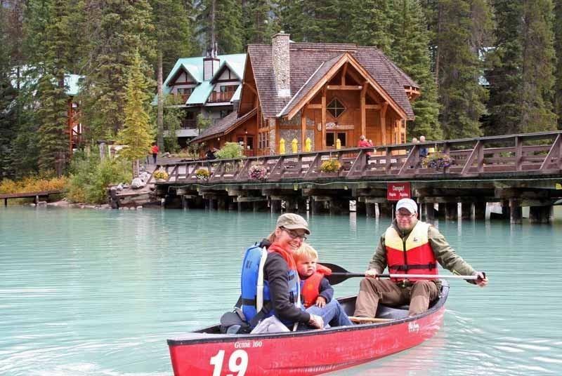 RiksjaKids Canada kano-canada-reis-met-kinderen-800x536.jpg RiksjaKids 40plusteens image gallery