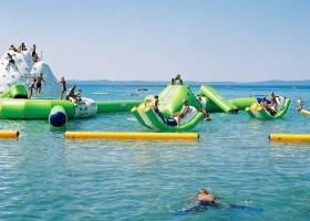 Villa Bussola in Le Marche, Italie aguapark in zee.jpg Villa Bussola 40plusteens