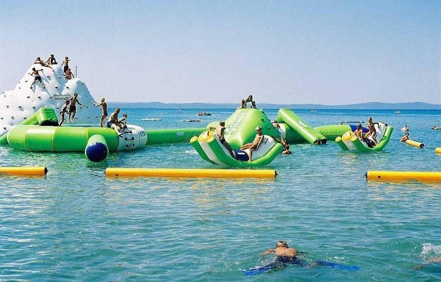 Villa Bussola in Le Marche, Italie aguapark in zee.jpg Villa Bussola 40plusteens image gallery