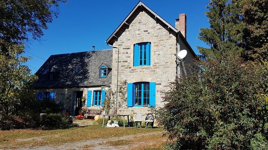 Les Renardieres in de Limousin, Frankrijk huis met blauwe luiken Les Renardières 40plusteens image gallery