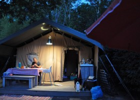 Greencamp La Digue safaritent.jpg Camping La Digue 40plusteens