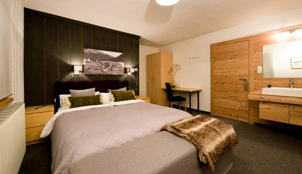Berghotel The Skilounge slaapkamer.jpg Berghotel The Skilounge 40plusteens image gallery