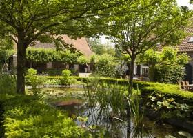 Erfgoedlogies d'Ouffenhoff tuin.jpg Erfgoedlogies d'Ouffenhoff 40plusteens