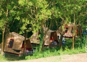 Sopra e Sotto in Le Marche, Italie kampeertenten Sopra e Sotto, Agriturismo & Outdoor 40plusteens