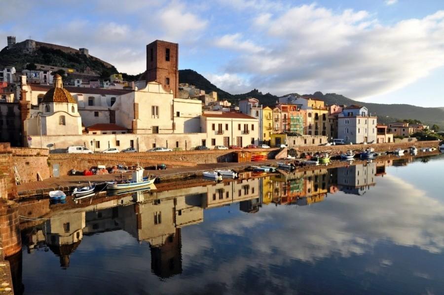 Tritt Bosa waterkant .jpg Tritt Case in Sardegna 40plusteens image gallery