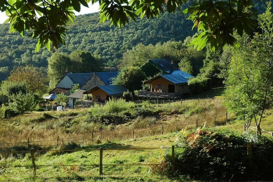 Morvan Rustique safaritenten 2 klein.jpg Morvan Rustique 40plusteens image gallery