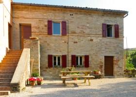 Sopra e Sotto in Le MArche, Italie huis sesto.jpg Sopra e Sotto, Agriturismo & Outdoor 40plusteens