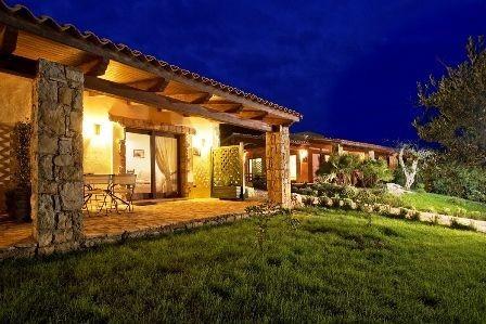Tritt - Borgo Monte Sixeri tweekamerappartement by night.jpg Tritt Case in Toscana 40plusteens image gallery