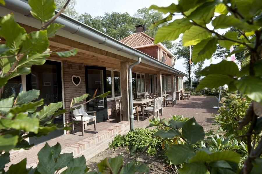 t Keampke -groepsaccommodatie-de-LindePlus-doorkijk-veranda.jpg 't Keampke 40plusteens image gallery