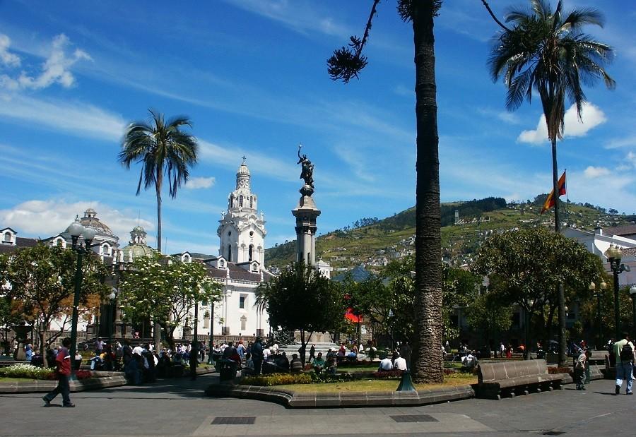 Local Hero Travel rondreis Ecuador quito-plaza-de-indepencia Ecuador rondreis familie avontuur 40plusteens image gallery