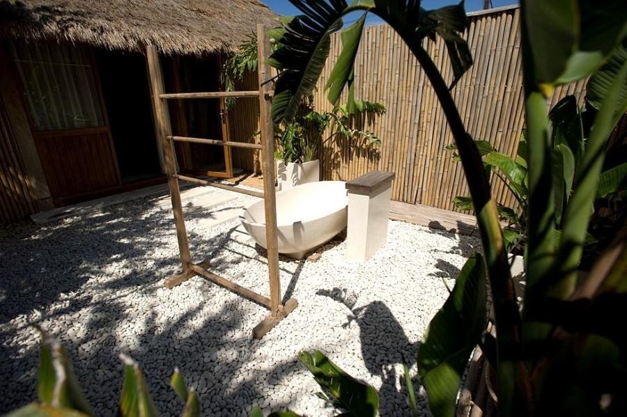 Las Perlas 12outdoor bath.JPG Las Perlas 40plusteens image gallery