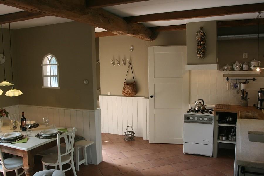 Erfgoedlogies d'Ouffenhoff keuken.jpg Erfgoedlogies d'Ouffenhoff 40plusteens image gallery