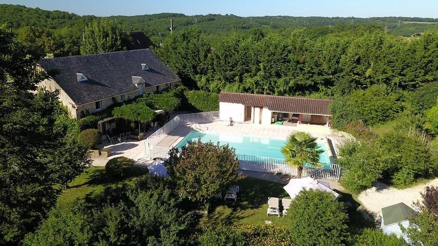 Domaine de Montsalvy in de Lot Frankrijk zwembad en huis Domaine de Montsalvy 40plusteens image gallery