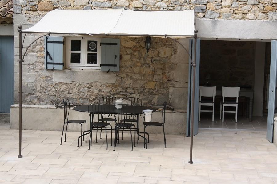 Gite Le Bel Endroit in de Ardeche, Frankrijk terras Gîte Le Bel Endroit 40plusteens image gallery