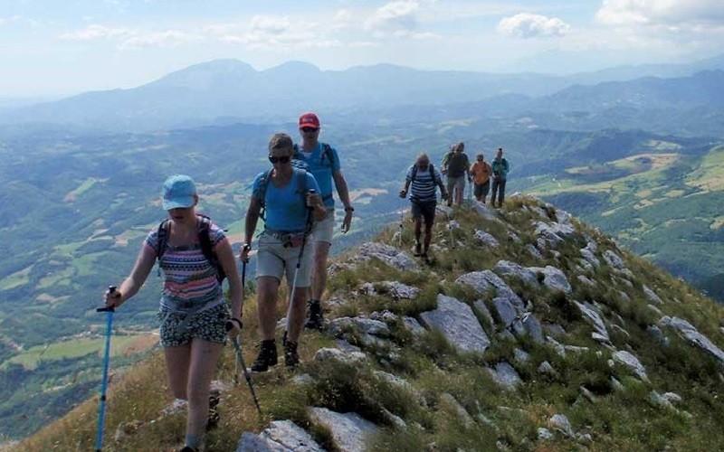 Sopra e Sotto in Le Marche, Italie wandelen-monte-Banditello Sopra e Sotto, Agriturismo & Outdoor 40plusteens image gallery