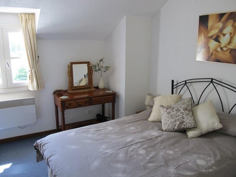 Les Chardonnerets Main bedroom La Jacinthe.JPG Les Chardonnerets 40plusteens image gallery