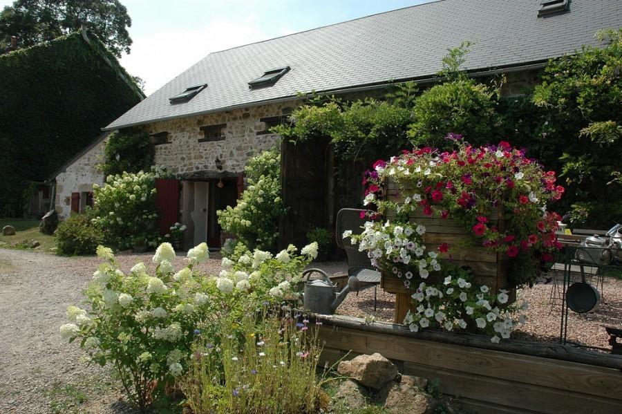 Morvan Rustique huis bloemen klein.jpg Morvan Rustique 40plusteens image gallery