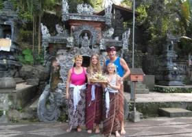 RiksjaKids Indonesie 3.jpg Bali Gezinsreis 40plusteens