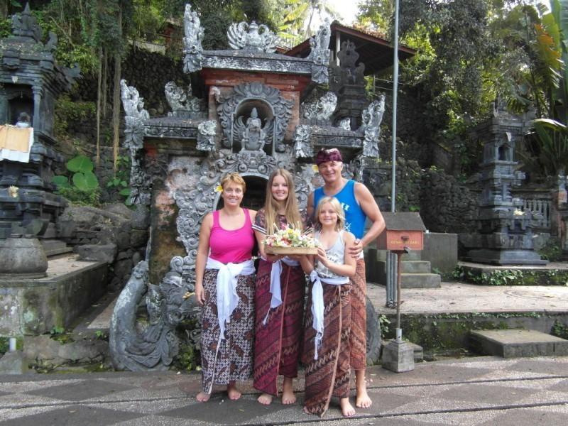 RiksjaKids Indonesie 3.jpg Bali Gezinsreis 40plusteens image gallery